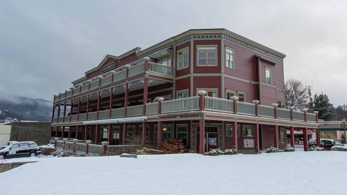 Kaslo Hotel, where Stellar Heliskiing guests stay in Kaslo.